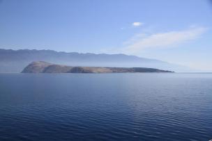Pogled na Goli otok iz smeri Sv. Grgurja