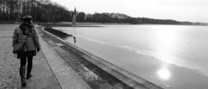 Pod ledom, na dnu jezera, leži pepel iz krematorijev