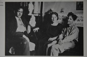Avgust Černigoj (desno), Karmela Kosovel in Alfonz Graber, 1923
