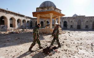 Ruševine mošeje v sirskem mestu Aleppo