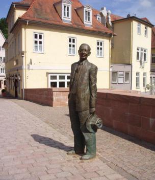 Hessejev kip v rojstnem mestu Calw