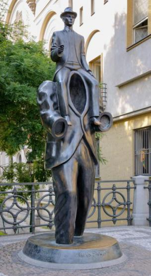 Spomenik Franzu Kafki v praški judovski četrti