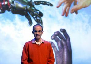 Harari je 23. septembra 2014 predaval v Ljubljani