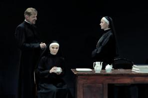 Prizor iz predstave Dvom
