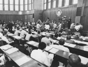 25. 6. 1991 je parlament dokumente sprejel še pod grbom Soc. republike Slovenije