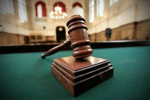 Pravna država ali država pravnikov?