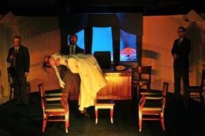 Prizor iz predstave November