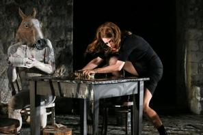 Prizor iz predstave Medeja