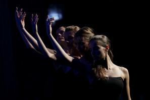 Koreografija Sladko Suite Darrela Toulona