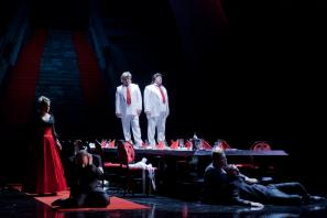 Prizor iz opere Ljubezen kapital