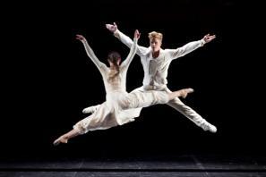 Prizor iz predstave Stravinski