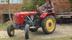 Prizor iz filma Traktor, ljubezen in rock'n'roll
