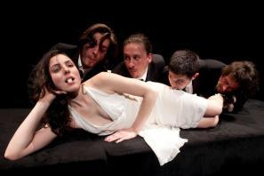 Prizor iz predstave Tristan in Izolda